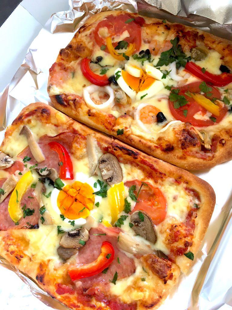 ポルタロッサのミックスピザ